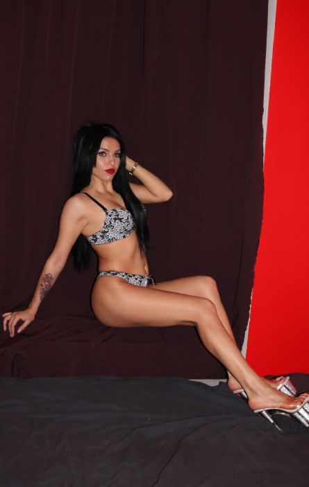 Karina- Studio Love Place - Sex und Erotik in Wien